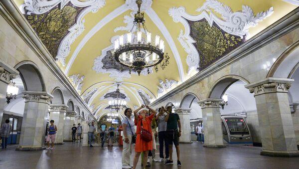 Podmanivá krása moskevského metra - Sputnik Česká republika