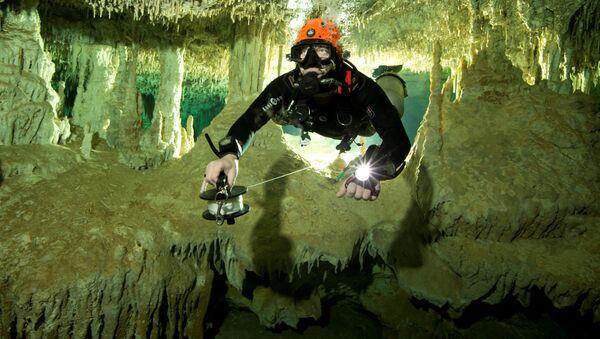 V Mexiku našli největší ve světě zatopenou jeskyni - Sputnik Česká republika