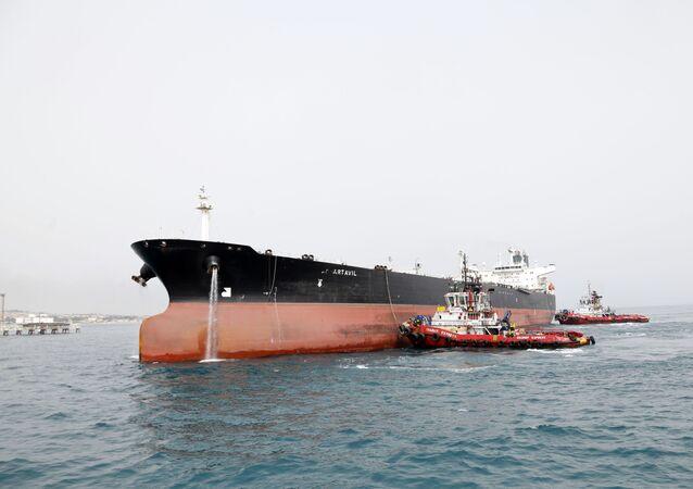 Íránský ropný tanker. Ilustrační foto.