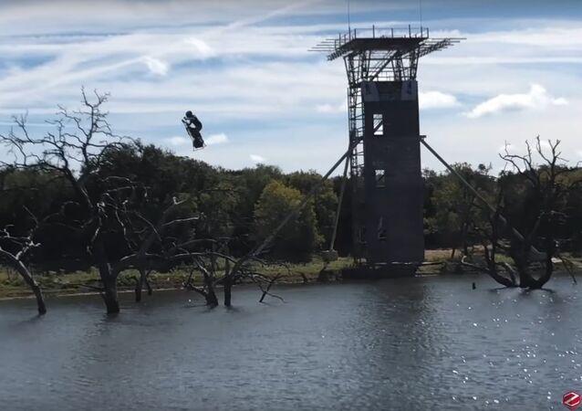Francouzská společnost vyzkoušela létající segway