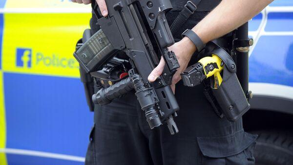 Ozbrojený policista ve Velká Británii. - Sputnik Česká republika