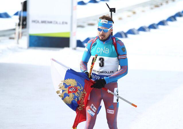 Ruský biatlonista Anton Šipulin