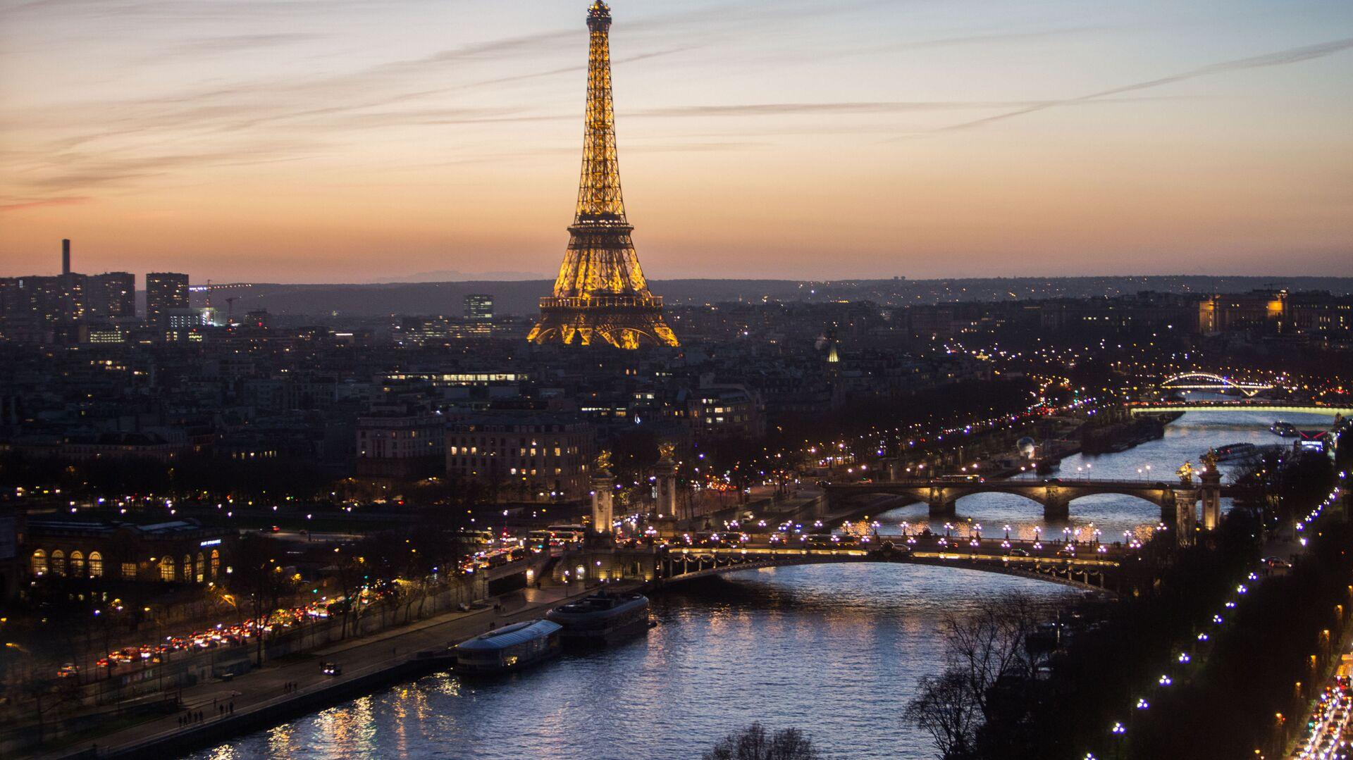 Pohled na Eiffelovu věž - Sputnik Česká republika, 1920, 31.05.2021