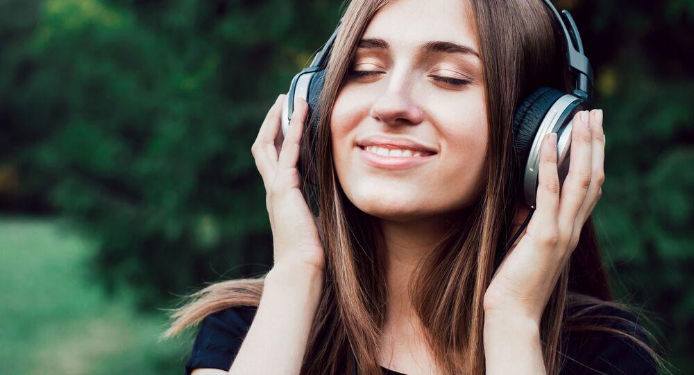 Dívka ve sluchátkách