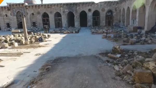 Rekonstrukce hlavní mešity v Aleppu, která byla zničena teroristy - Sputnik Česká republika