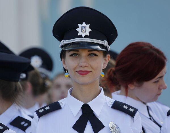 """""""Slabá"""" práce pro slabé pohlaví: policistky v různých zemích - Sputnik Česká republika"""
