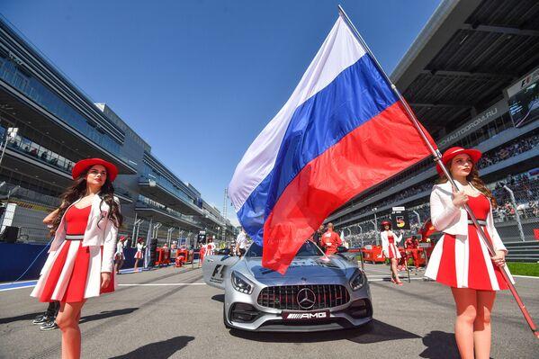 Odcházející krása: Vedení Formule 1 se vzdává tradice Grid Girls - Sputnik Česká republika