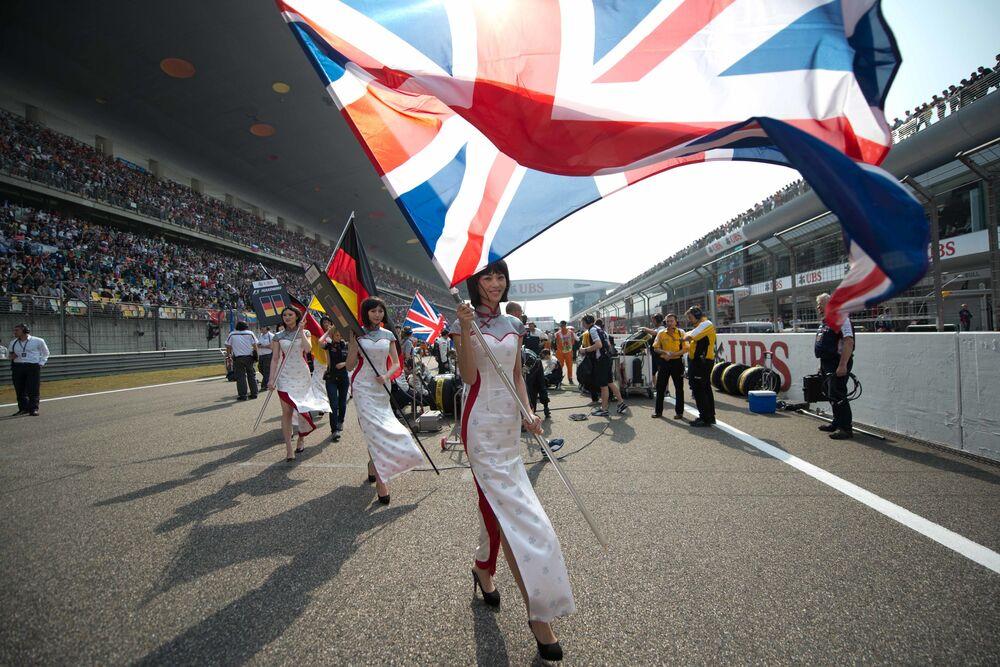 Odcházející krása: Vedení Formule 1 se vzdává tradice Grid Girls