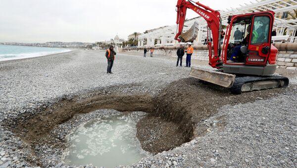 Pláž v Nice - Sputnik Česká republika