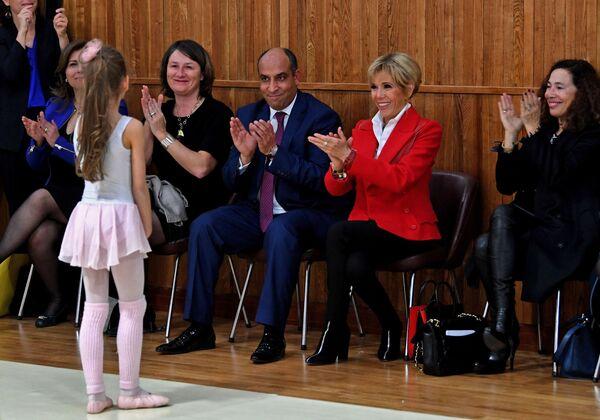 Směrem na jih. Emmanuel a Brigitte Macronovi jsou okouzleni Tuniskem - Sputnik Česká republika