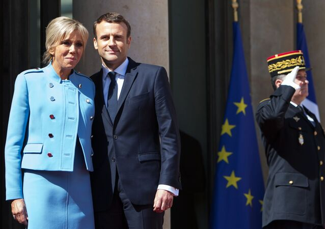 Francouzský prezident Emmanuel Macron s chotí Brigitte
