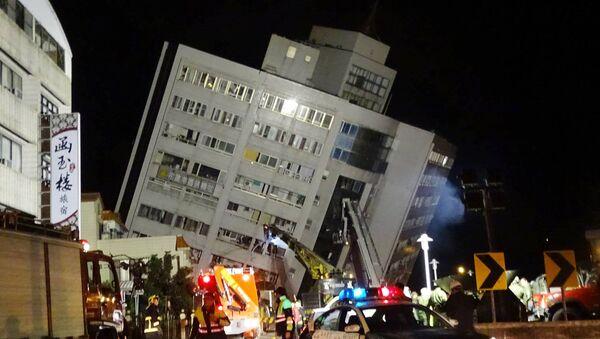 Následky silného zemětřesení na Tchaj-wanu - Sputnik Česká republika