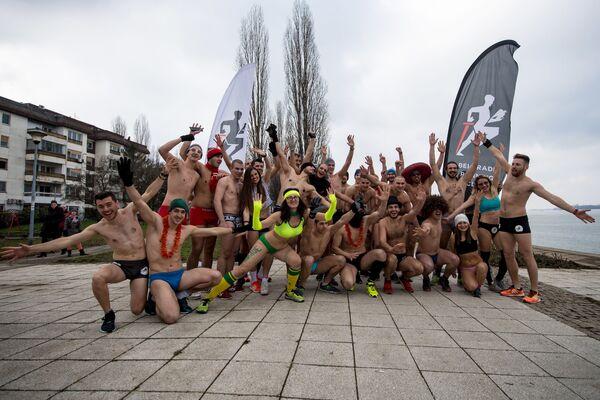Běžecký závod ve spodním prádle v Srbsku - Sputnik Česká republika