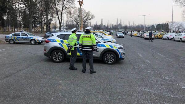 Policisté v Praze. Ilustrační foto - Sputnik Česká republika