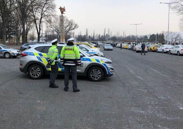 Policisté v Praze. Ilustrační foto