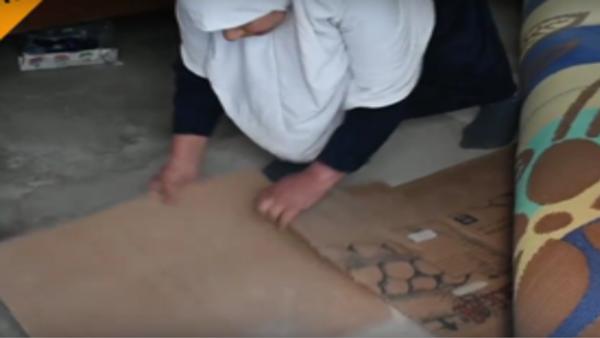 V Mosulu lidé musí pohřbívat těla přímo doma pod kobercem - Sputnik Česká republika