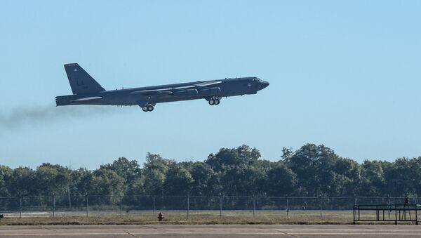 Bombardér B-52 Stratofortress během cvičení Global Thunder 17 - Sputnik Česká republika