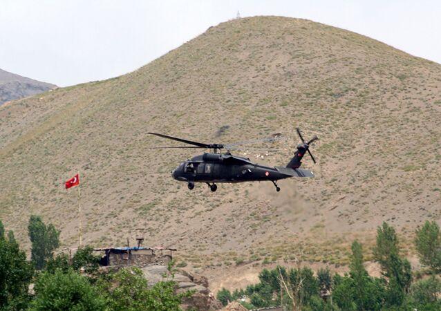 Turecký vrtulník na jihovýchodě země (ilustrační foto)