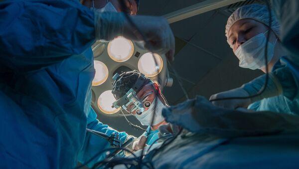 Operace v nemocnici - Sputnik Česká republika