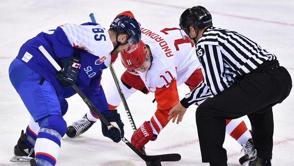 Sergej Andronov a Petr Olvecký při prvním zápase - Sputnik Česká republika