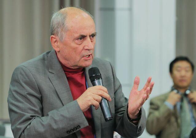 Адвокат, бывший премьер-министр Словакии Ян Чарногурский