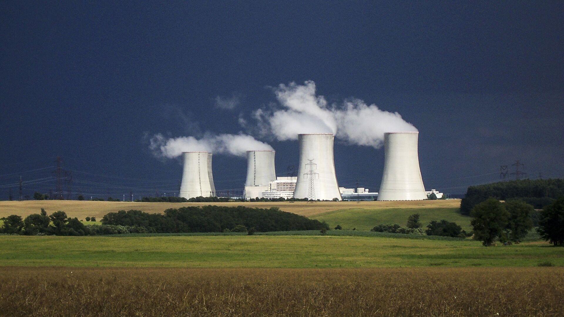 Jaderná elektrárna Dukovany v Česku - Sputnik Česká republika, 1920, 16.06.2021