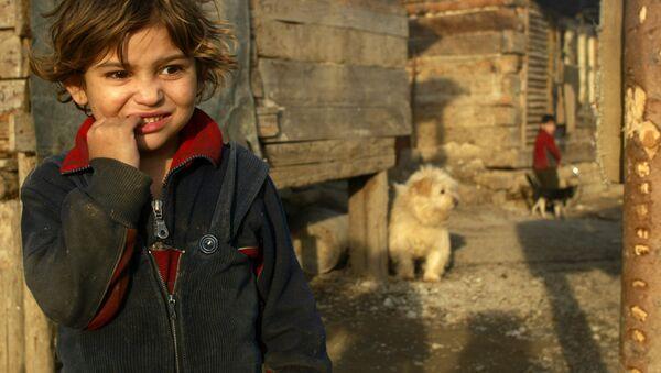 Romské dítě na severu Slovenska  - Sputnik Česká republika