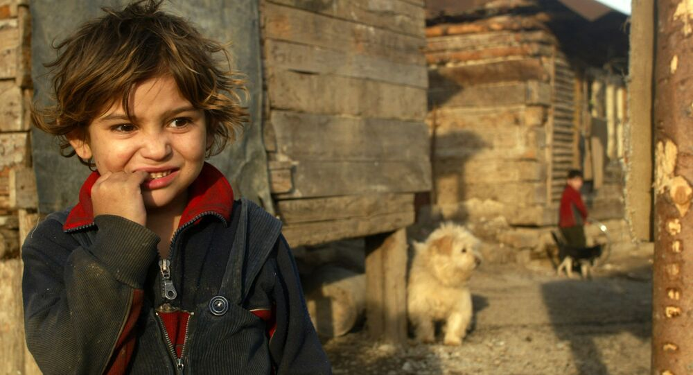 Cikánská holčička. Illustrační foto