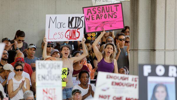 Mítink proti volnému nošení zbraní na Floridě, USA - Sputnik Česká republika