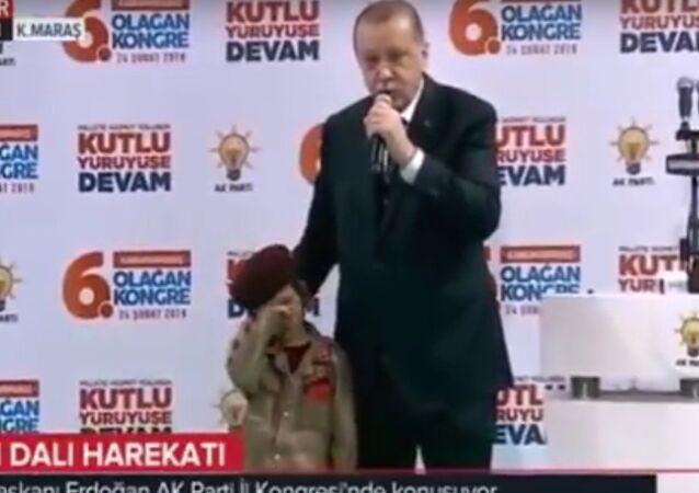 Pokud tě zabijí, budeme na tebe pyšní - Erdogan