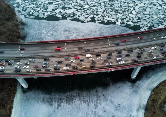 Ztuhlá krása a hlavní tepna města: Zmrzlá řeka Moskva