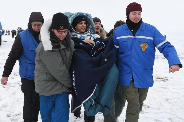 Posádka ISS se vrátila na Zemi - Sputnik Česká republika