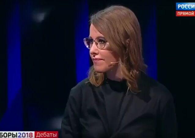 Sobčaková během debat polila Žirinovského vodou