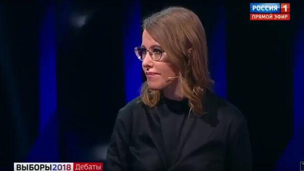 Sobčaková během debat polila Žirinovského vodou - Sputnik Česká republika