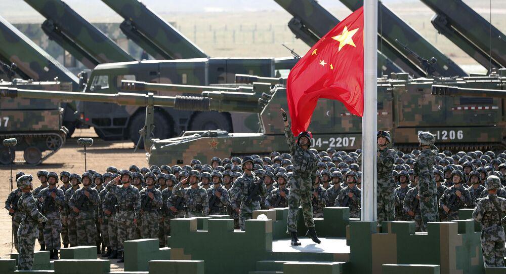 Военный парад в честь 90-летия основания НОАК на военной базе Чжурих в Китае