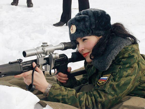 Krasavice v armádách různých zemí Krasavice v armádách různých zemí - Sputnik Česká republika