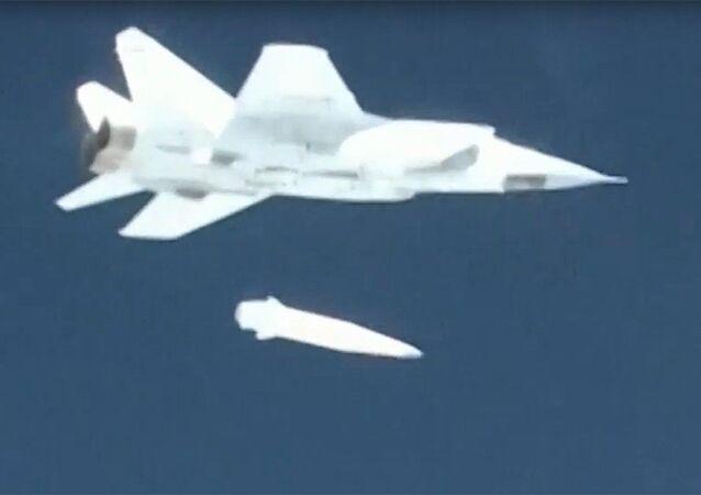 Demonstrace testování raketového systému Kinžal