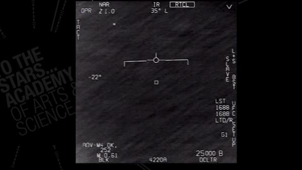 Bylo zveřejněno nové video zachycení UFO americkými stíhačkami - Sputnik Česká republika