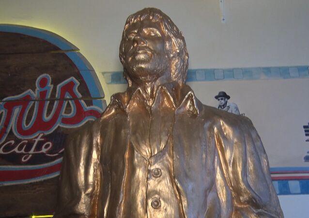 Chucka Norrisa zvěčnili sochou v hlavním městě Chorvatska.