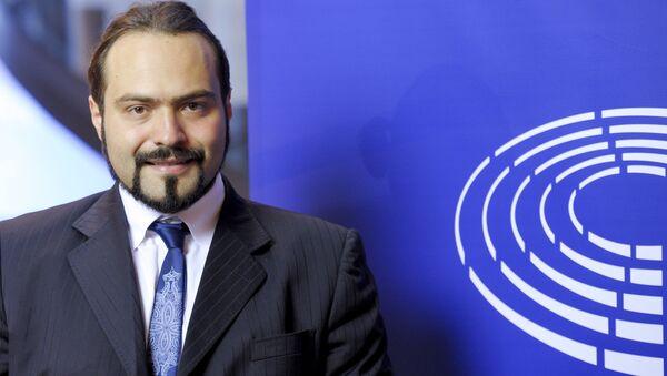 Činitel vlivného italského Hnutí pěti hvězd (H53) Fabio Massimo Castaldo. - Sputnik Česká republika