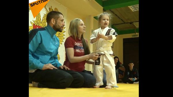 3letá bojovkyně džu-džitsu tě zdolá - Sputnik Česká republika