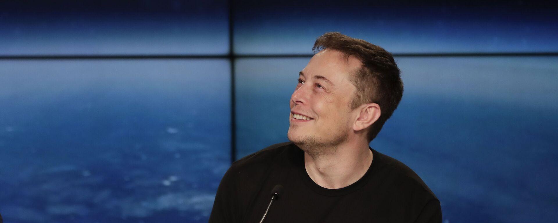 Elon Musk na tiskové konferenci - Sputnik Česká republika, 1920, 05.06.2021