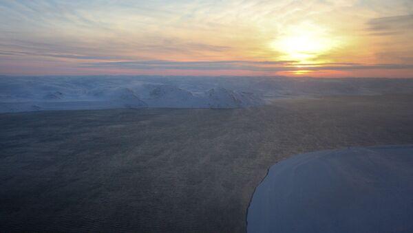 Západ slunce nad Barentsovým mořem - Sputnik Česká republika