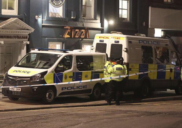 Policie na ulici Castle street. Ilustrační foto