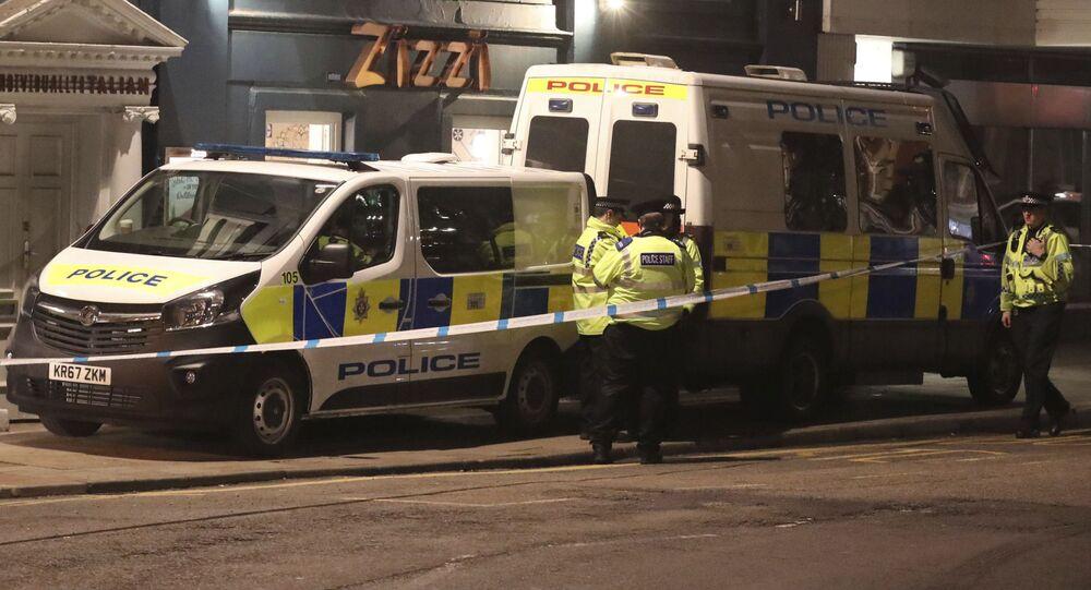 Policie na ulici Castle street