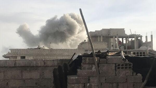 Syrská armáda útočí na teroristické uskupení Fronta an-Nusrá ve východní Ghútě - Sputnik Česká republika