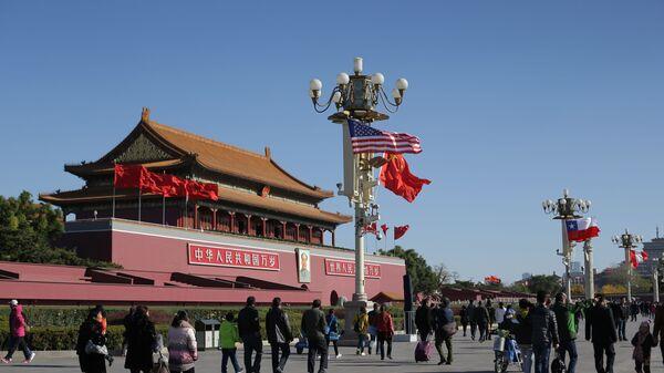 Vlajky USA a Číny v Pekingu - Sputnik Česká republika