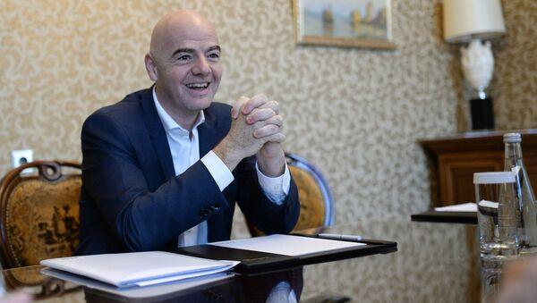 Президент ФИФА Джанни Инфантино во время интервью в Москве - Sputnik Česká republika