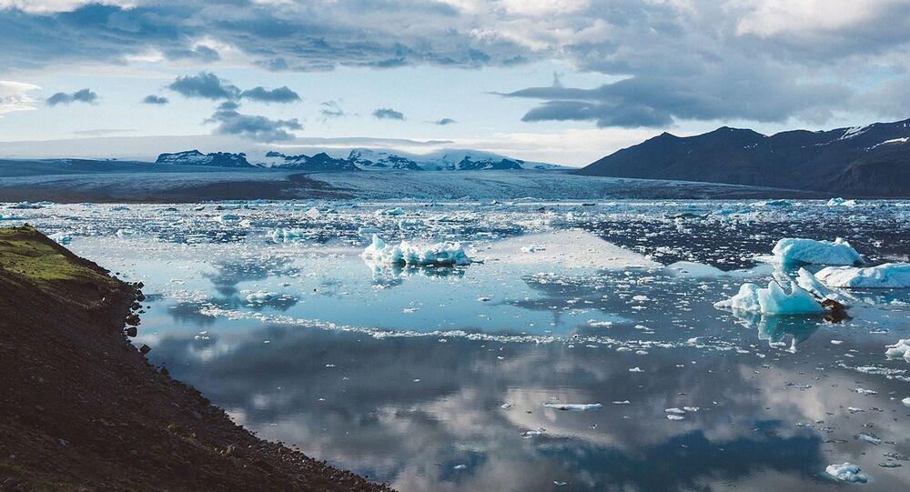 Tající led v Islandu