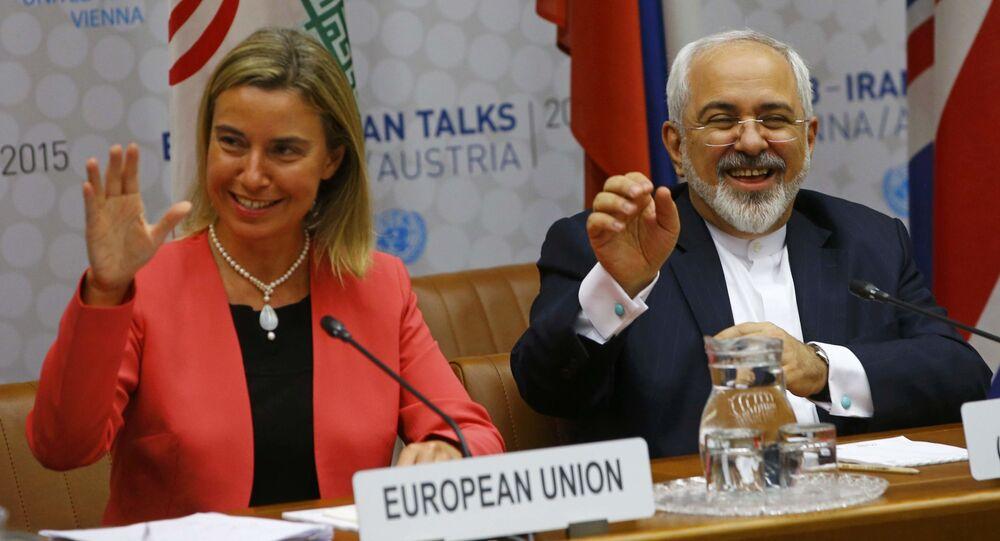 Federica Mogheriniová a Mohammad Džavád Zaríf